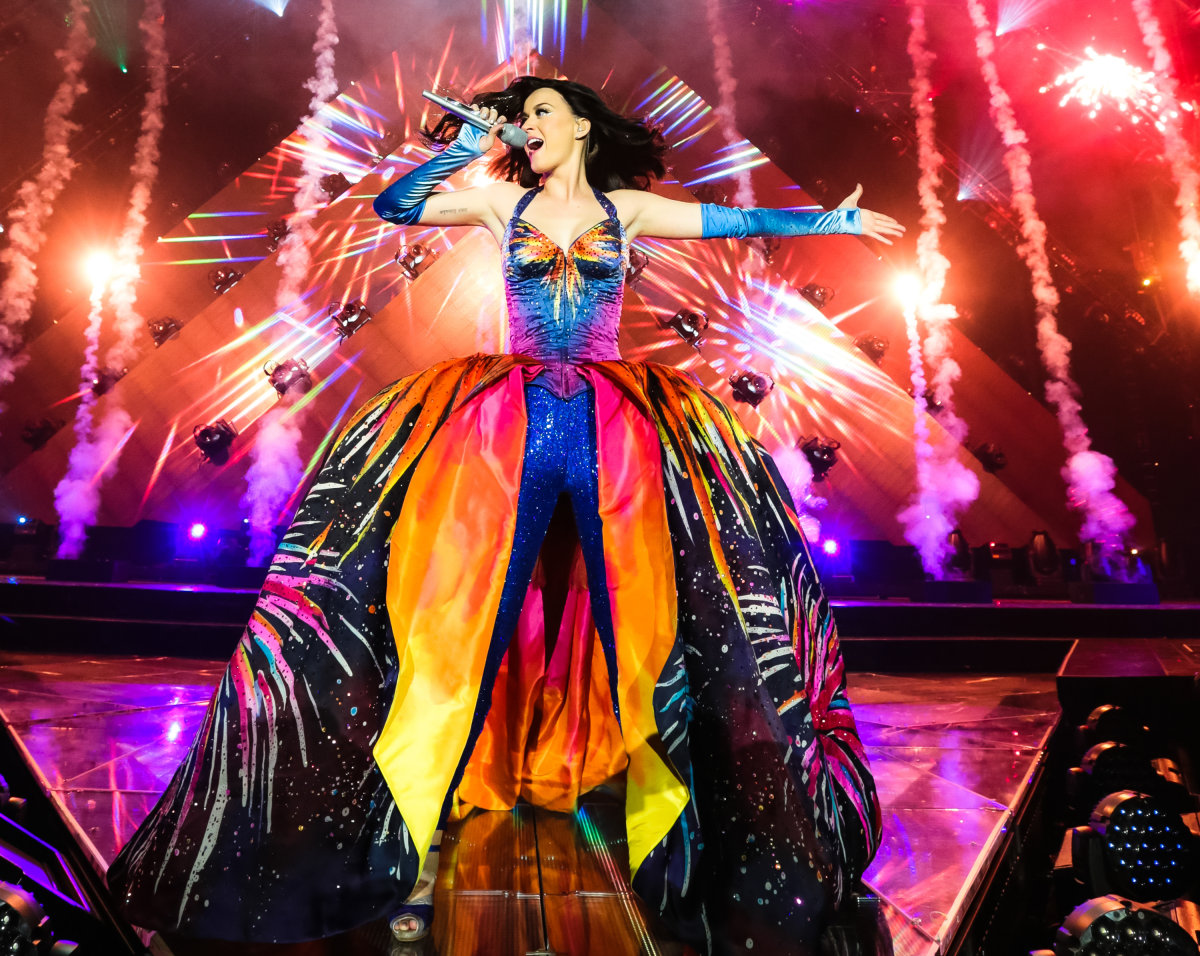 Entertainment Archives... Katy Perry Firework